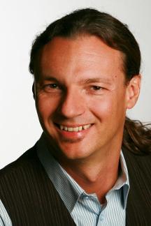 Roland Hirth ist Gründerberater und betreut Heilpraktiker, Berater und Coaches